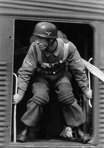 Fallschirmjäger Unteroffizierlrg