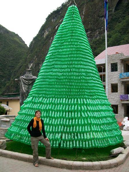 """Un Noël """"écolo"""" 15.-Noel-ecolo-a-Aguas-Calientes----Bottled-Christmas-tr"""