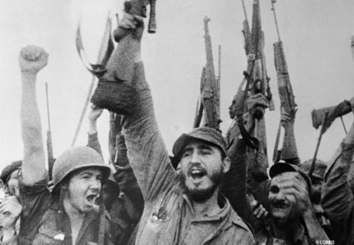 Les années 70 en images Fidel_castro_armes_reference