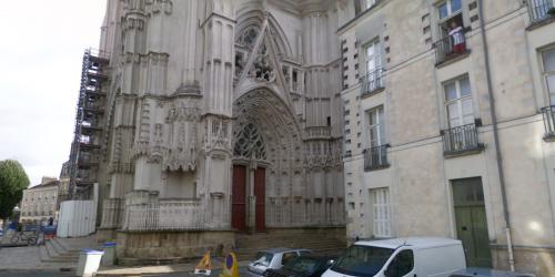 NANTES. Des tags nazis et satanistes à l'intérieur de la cathédrale Saint-Pierre 2498825285