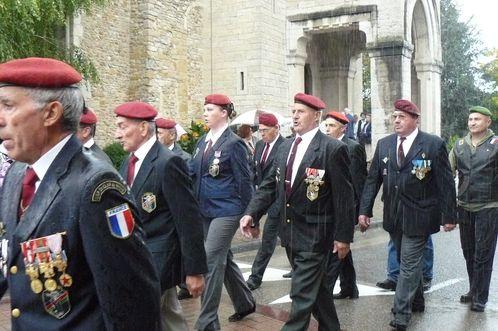 L'Union Nationale des Parachutistes fête la Saint Michel 2013 dans l'Ain  P1110160