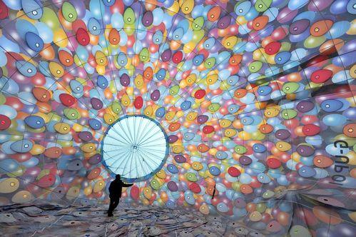 Une montgolfière Là-Haut à Disneyland Paris ! LAHAUT2