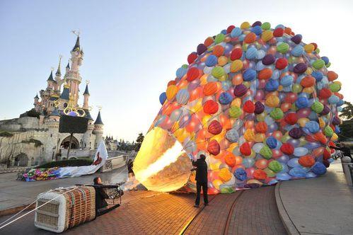 Une montgolfière Là-Haut à Disneyland Paris ! LAHAUT4
