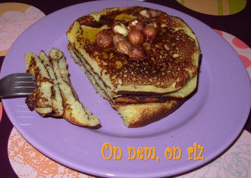 Pancakes miel-noisettes Pancakes-miel-noisettes5