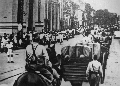 Mercredi 8 Janvier 2014 Saigon-1941---Entree-des-troupes-japonaises
