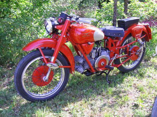 Les motos GUZZI ont 100 ans aujourd'hui Moto-legende-DIJON-2010-227