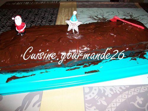 chocolat - Bûche de Noël à la mousse au chocolat et au praliné Buche-copie-1