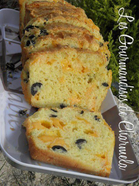 Cake aux Olives et Mimolette P8010216