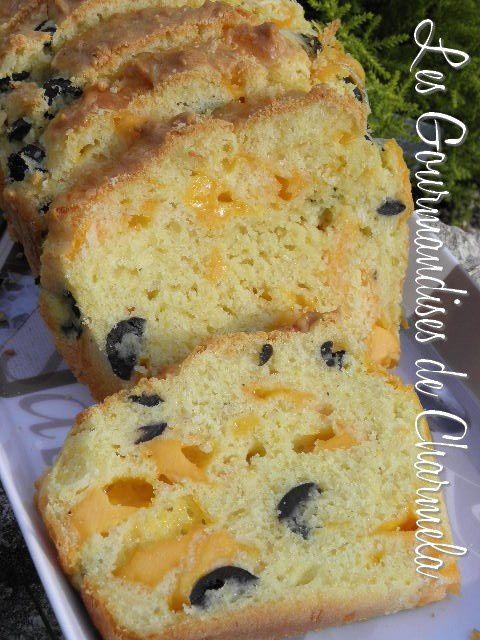 Cake aux Olives et Mimolette P8010217