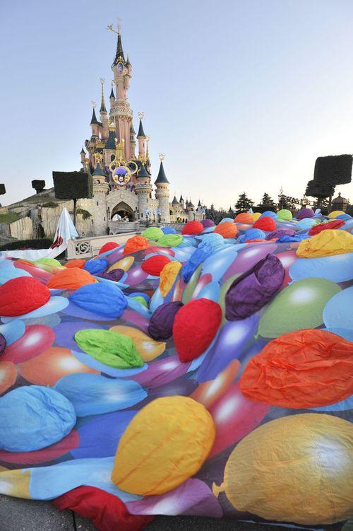 Une montgolfière Là-Haut à Disneyland Paris ! Lahaut1