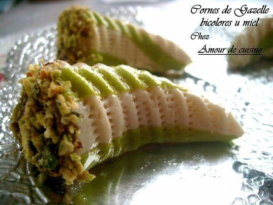 حلويات جزائرية جديدة قمة الروعة Cornes-de-Gazelle-bicolore-au-miel-056_thumb