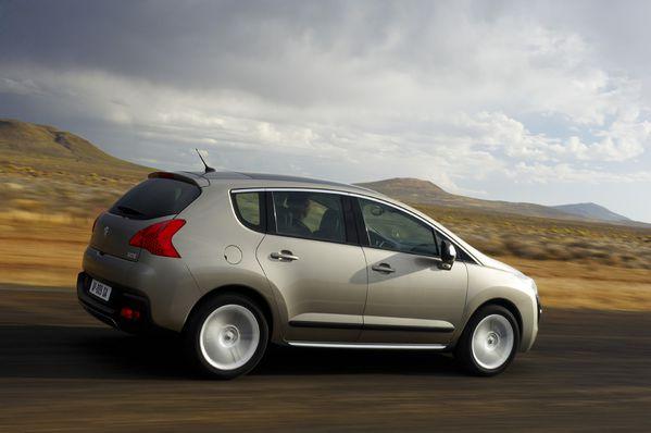 مجموعه من صور الشيارات Peugeot-3008-10