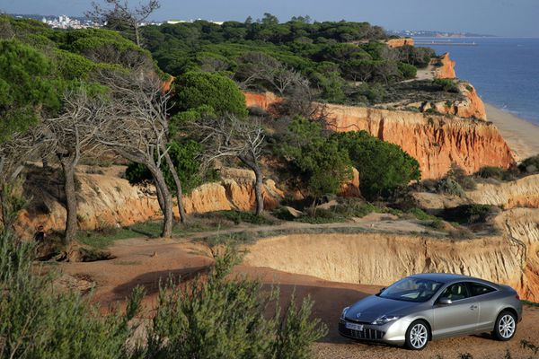 مجموعه من صور الشيارات Renault-Laguna-Coup--5