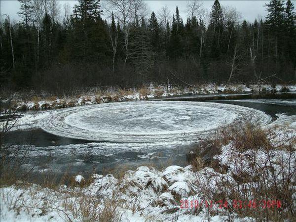 Cercles de glace à Eden dans l'Etat de New-York Cercle-glace-3