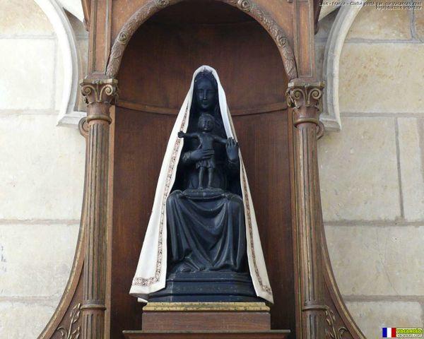 18 août Notre-Dame de Liesse Vierge-Noire--Cathedrale-ND-de-Laon--Notre-Dame-de-Liesse-