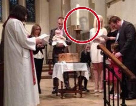 """""""Le fantôme de mon mari est apparu en pleine cérémonie"""" Ghost-kg_v_Variation_1"""