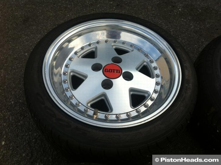 Furian chilli red felicia (+ Jetta takaisin kotiin)  Wheels-and-tyres-15-inch-676280-1
