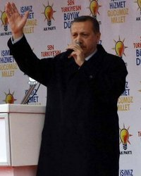 Tümgazeteler Sayfasından Türkiyedeki Siyaset ED536E5699972F4383A71E34r