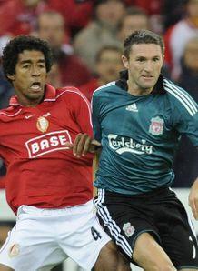 [Champions League 2008/09] - Page 2 Keane-Robbie1_1110591