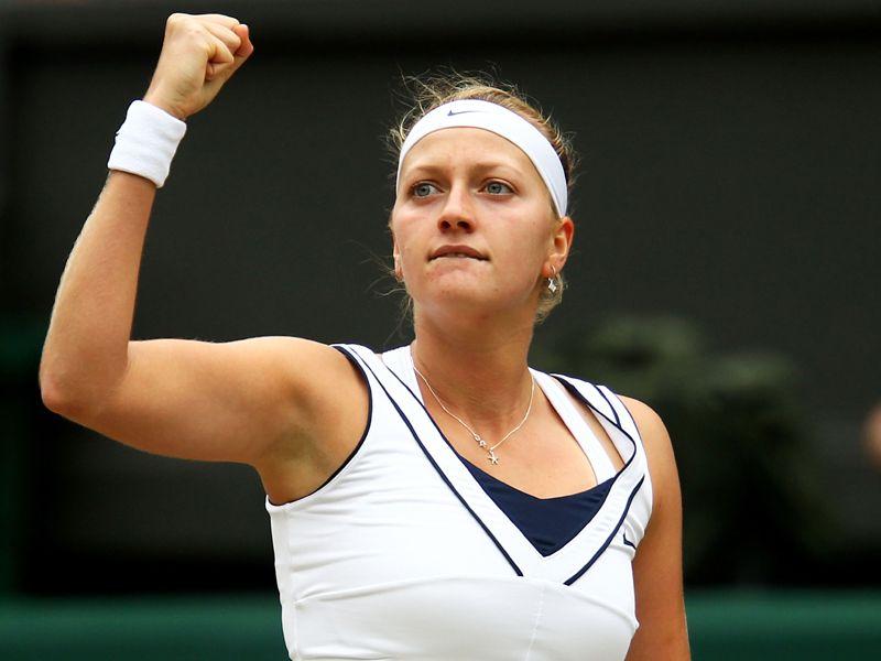 تغطيه بطوله ويمبلدون 2011 - صفحة 2 Petra-Kvitova-Wimbledon-2011-SF-fist_2615963
