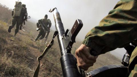 armée russe (et ses alliés) AFP_080811ossetie-russe-soldats_8