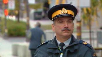 Grippe A (H1N1) : La ville de Québec sera prête !!! 090828policier-quebec_6