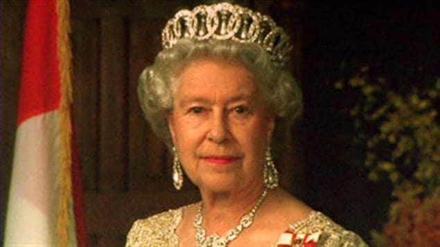 Le discours d'Élisabeth II était prêt en cas de 3e guerre mondiale !!! 110523_s7840_reine-elisabeth-2_sn635