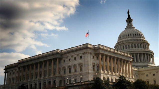 """Le Congrès américain à l'assaut de la """"falaise fiscale"""" 111216_gf1gb_congres-americain_sn635"""
