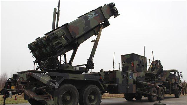dossier - Dossier sur l'Iran, géostratégie, manipulation, nucléaire, future guerre, cartes PC_130108_vv6yj_missile-patriot-hollande_sn635