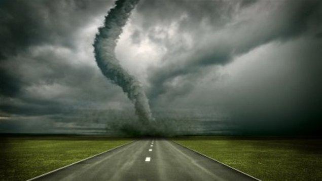 الكوارث الطبيعة 130605_d53rc_rci-tornade_sn635