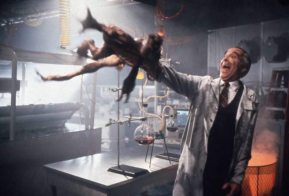Mort de Christopher Lee : Retour sur la carrière riche et exceptionnelle de l'acteur anglais Oui-christopher-lee-a-joue-avec-les-gremlins