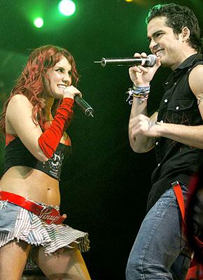 Samo za RBD (oblačila za koncerte) Concierto_rbd_8.14.06_270