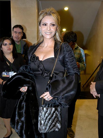 Даниэла Кастро / Daniela Castro - Страница 6 Daniela-Castro-100710-345