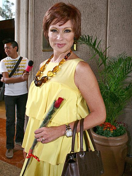 Летисия Кальдерон / Leticia Calderon - Страница 3 Lety-Calderon-101410-435