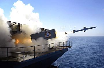 المعارك البحرية الحديثة  Navy_missile_0214