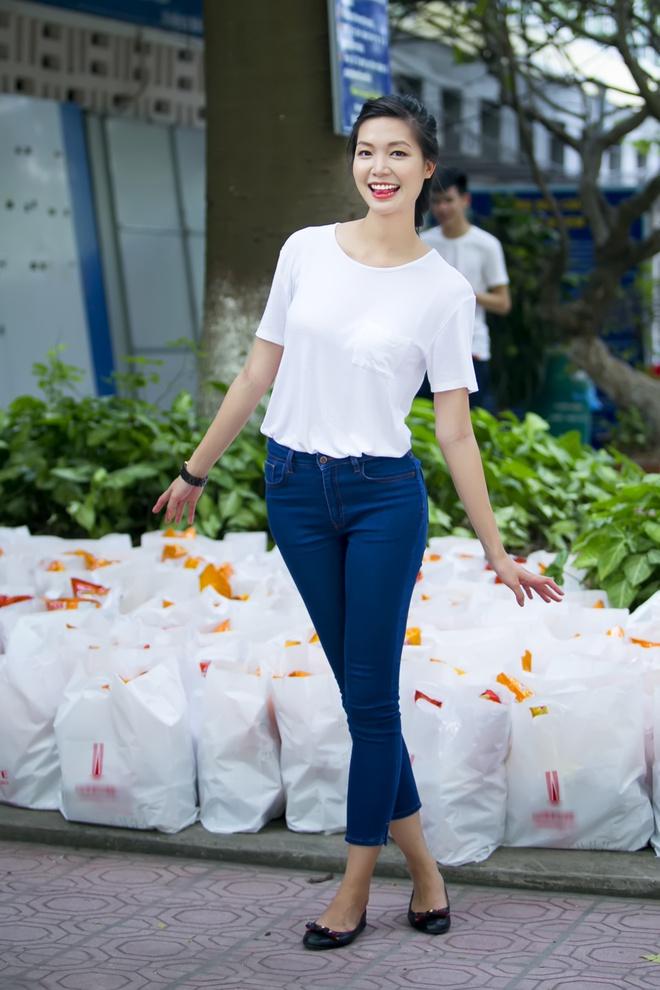 Hoa hậu Thùy Dung tặng quà trung thu cho bệnh nhân nhi Hoa_hau_thuy_dung1