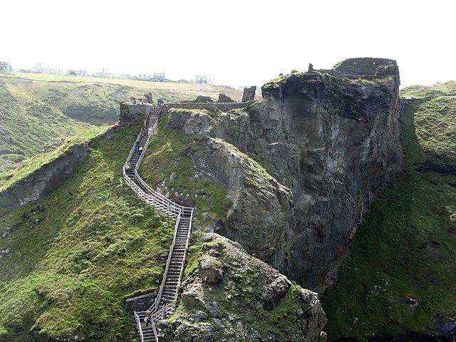 10 điểm đến bí ẩn nhất nước Anh Tintagelengland