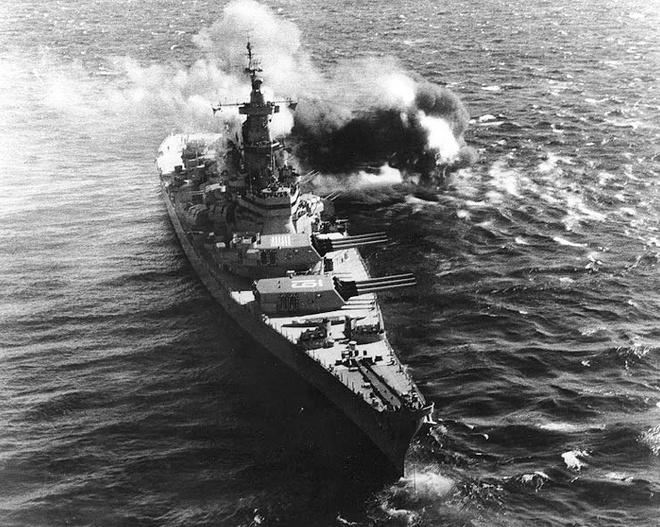 Ảnh đẹp : Chiếm hạm thiếp giáp mạnh nhất của hải quân Mỹ Zing_iowa_14