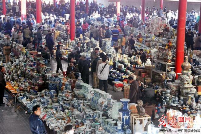 Những khu chợ giá rẻ đông khách nhất thế giới 002186ed2df013d2a31c3e