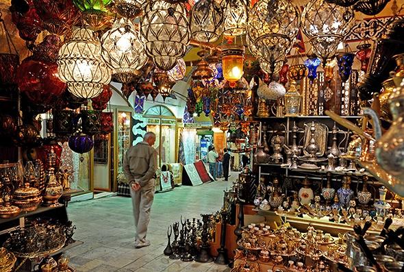 Những khu chợ giá rẻ đông khách nhất thế giới Grandbazarrmarketlanterns590