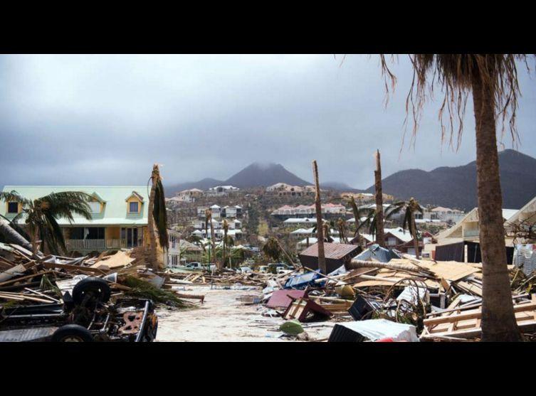 Ce que les médias ne disent pas sur La Catastrophe de Saint Martin!! Saint-martin-les-hallucinants-temoignages-des-rescapes-c-est-la-guerre-civile
