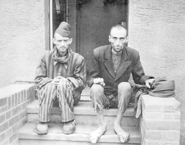 photos des camps de la mort, des ghettos, des prisonniers, des gardiens... KZ-Dora-Mittelbau-bei-Nordhausen