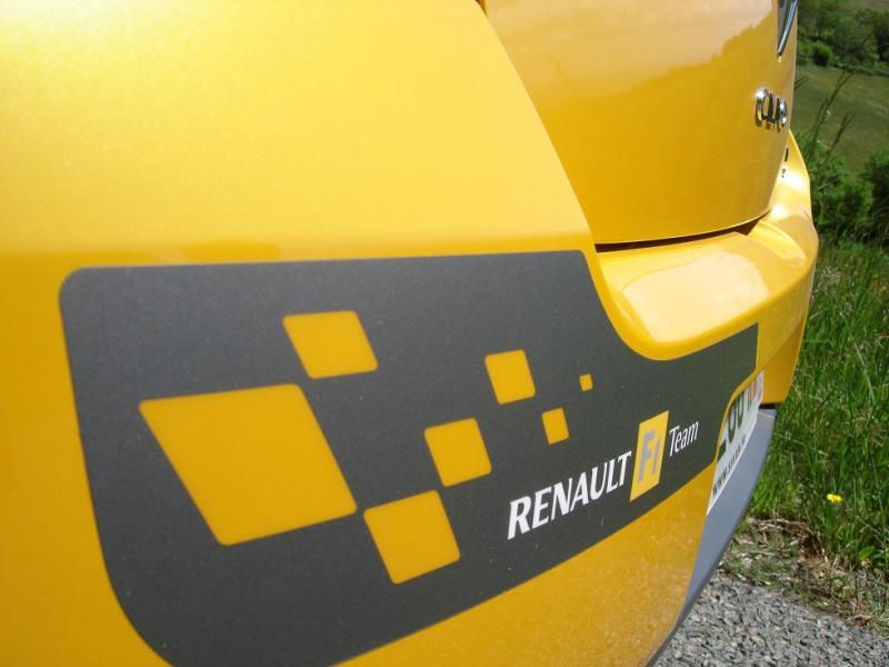 [tonlu]Clio 3 RS F1 team (R27) Dsc04154-4594d74