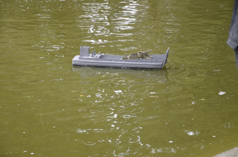 Barge LCM 6 au 1/16e - Page 5 Dsc_0117-4fe6a71