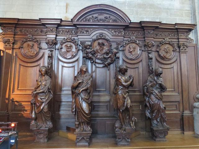 Petit tour au Benelux (3/3) 043-statuesbois-4bc3647