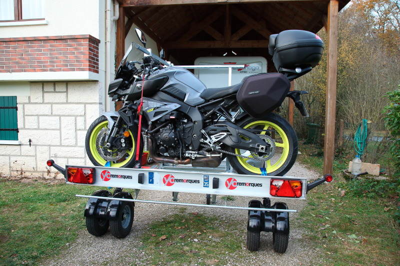 Une remorque moto sympa Remorque-cct44-260_02-537e29e