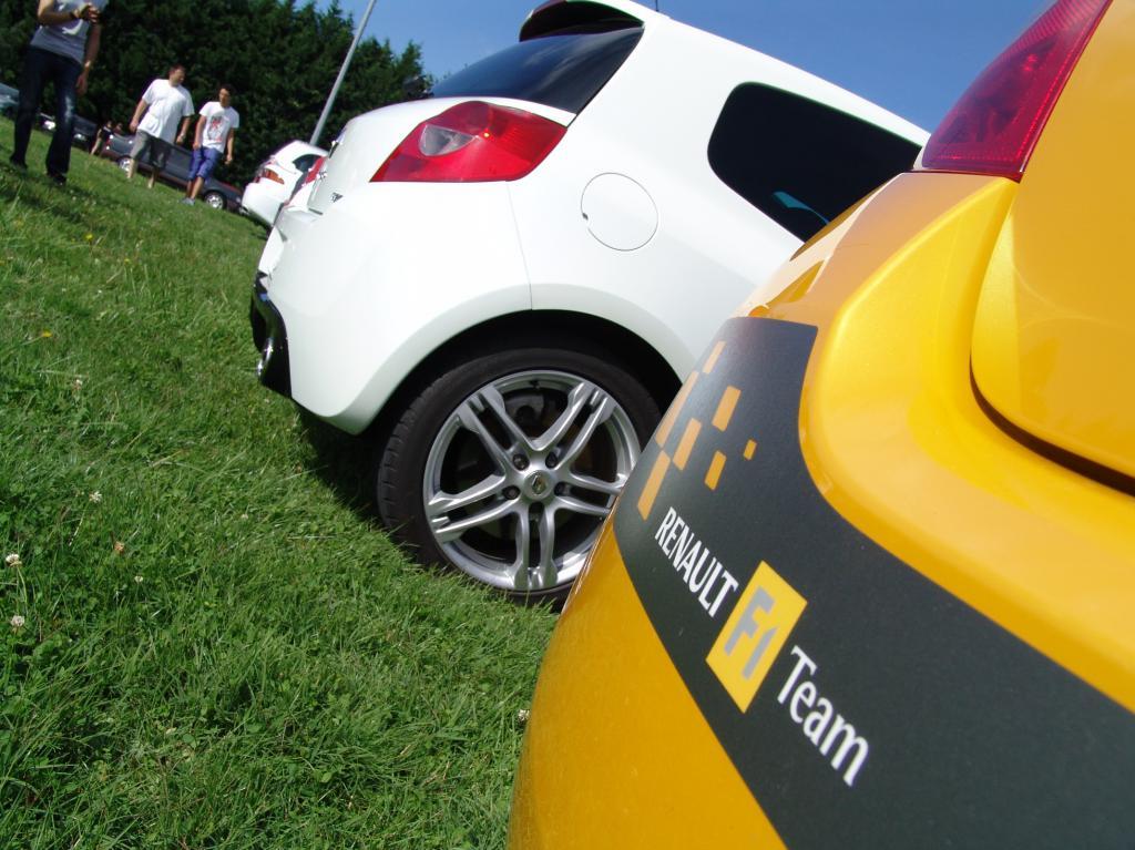 [tonlu]Clio 3 RS F1 team (R27) Dsc00215-472dacf