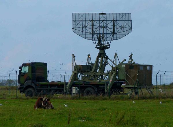 Des drones inconnus survolent des centrales nucléaires en France [Et Paris] - Page 4 00000-488f2bb