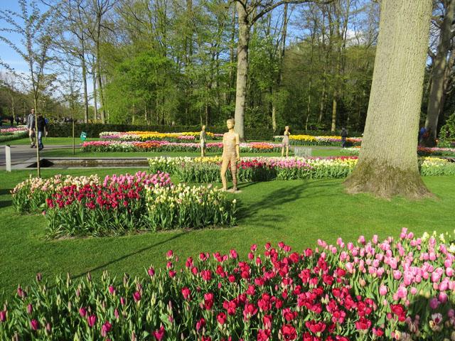 Petit tour au Benelux (2/3) 08-statues-4b63347