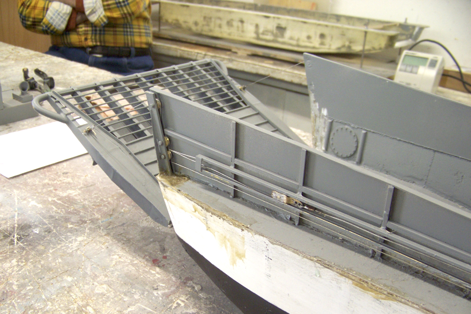 Barge LCM 6 au 1/16e - Page 4 109_3601-4a39425